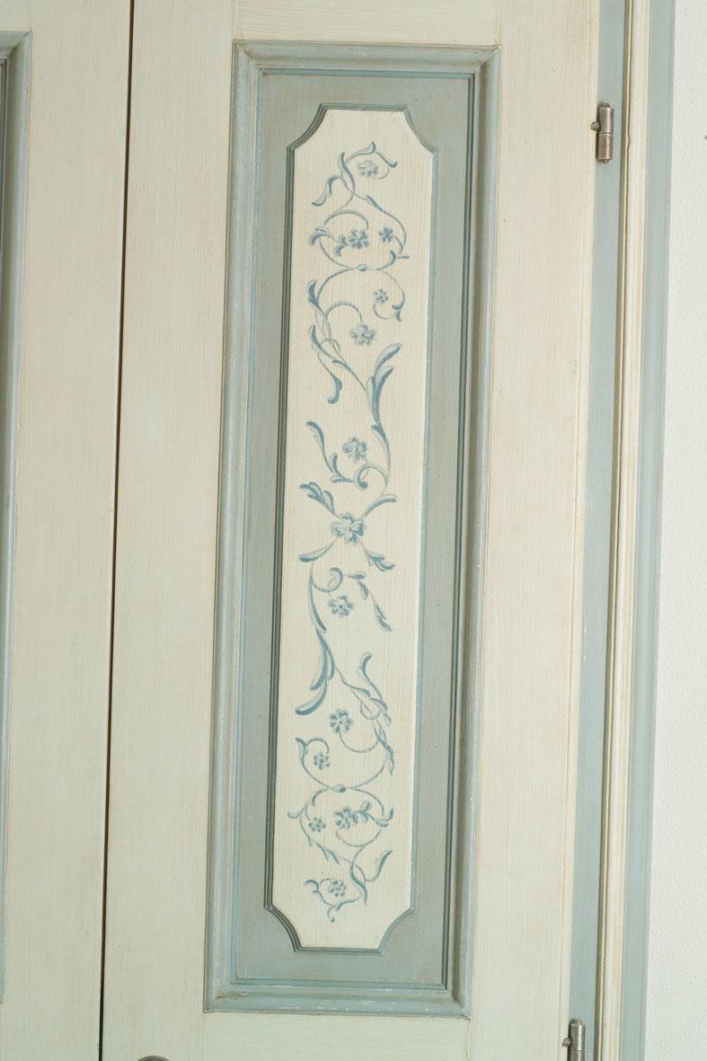 cmb international, porta dipinta a mano in legno massello modello 702