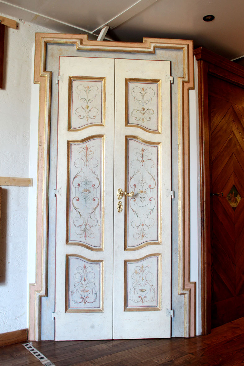 PORTA mod. Oro 704 in legno massello gessato, patinata e decorata a ...