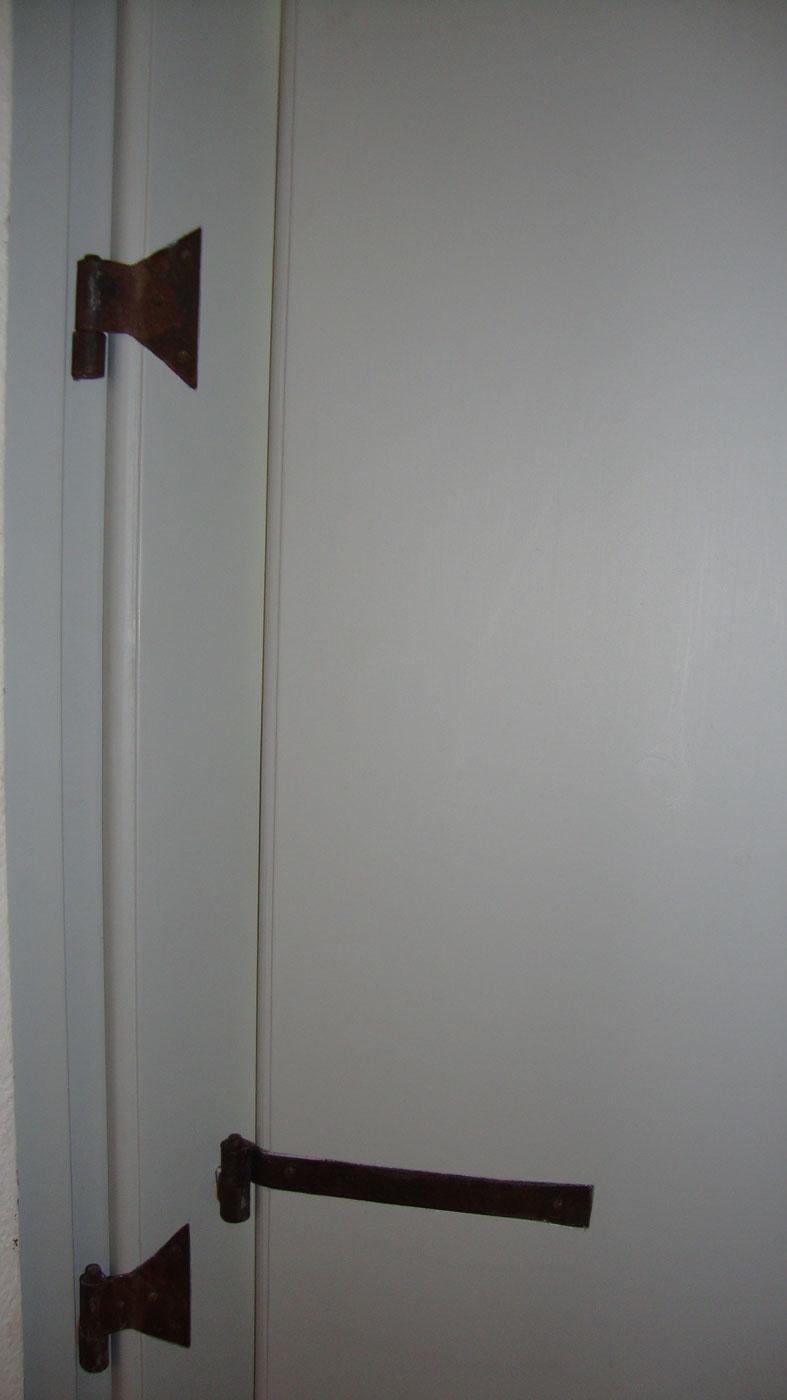 In legno massello verniciata colore a scelta del committente - Er finestra mac ...