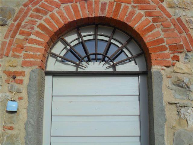 Grate cmb infissi in ferro battuto lavorate artigianalmente - Porte per archi ...