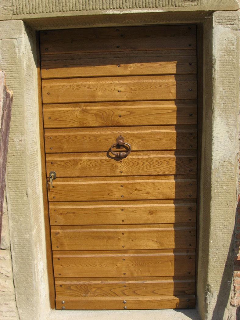 spesso in legno massello di Castagno invecchiato spazzolato, completo di  FN64