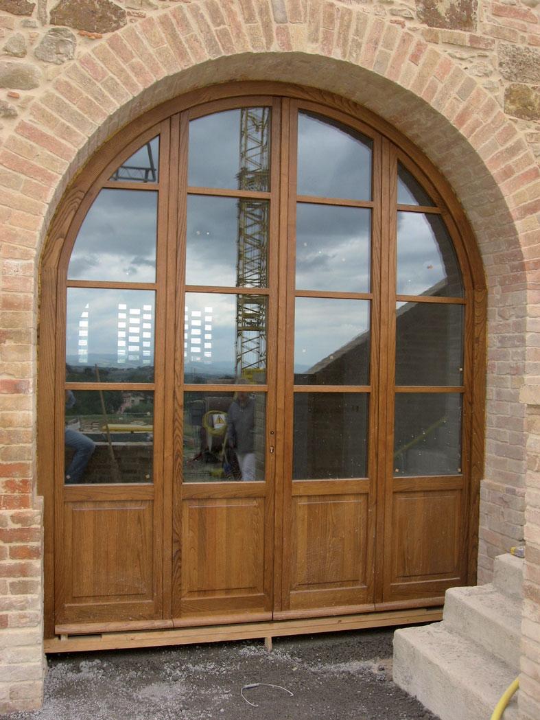 Finestre ad arco foto sulle tende finestre ad arco con il - Porte per archi ...