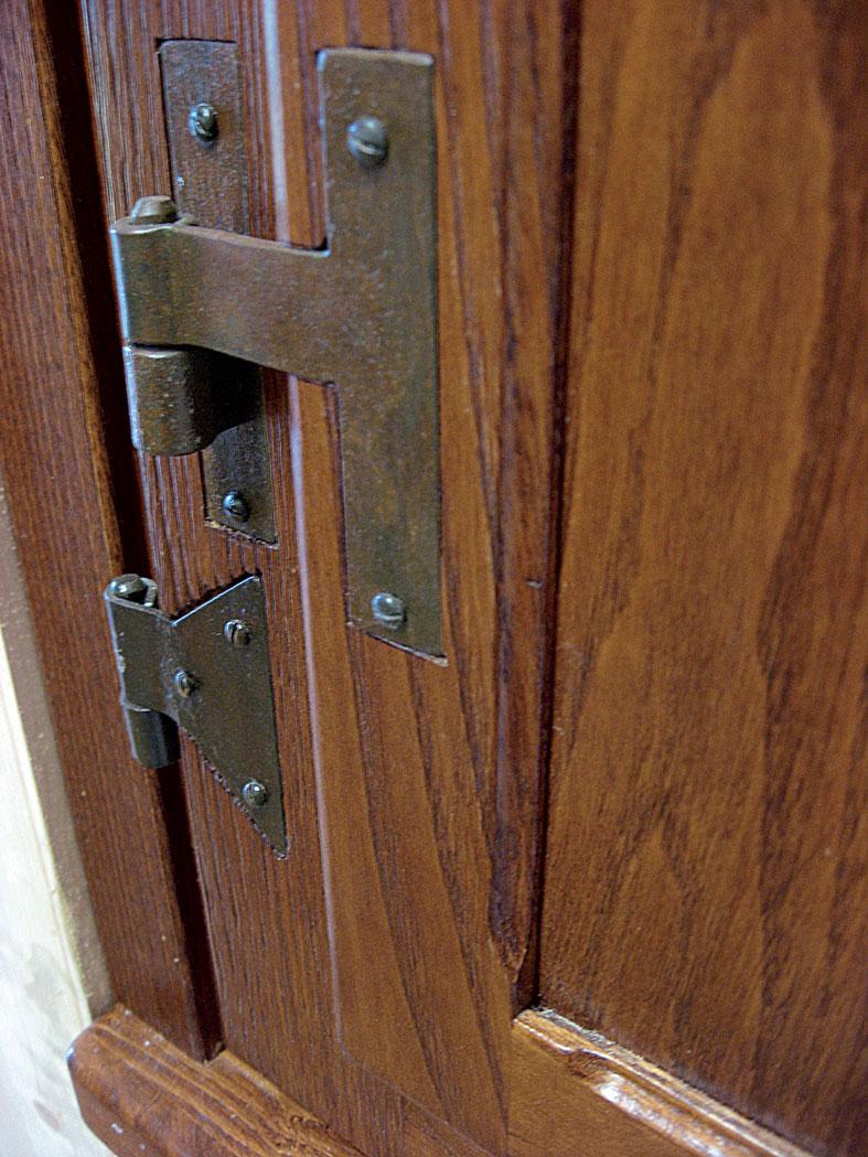 Finestra casale in legno massello di castagno invecchiato spazzolato completa di traversini scuret - Finestre di legno ...